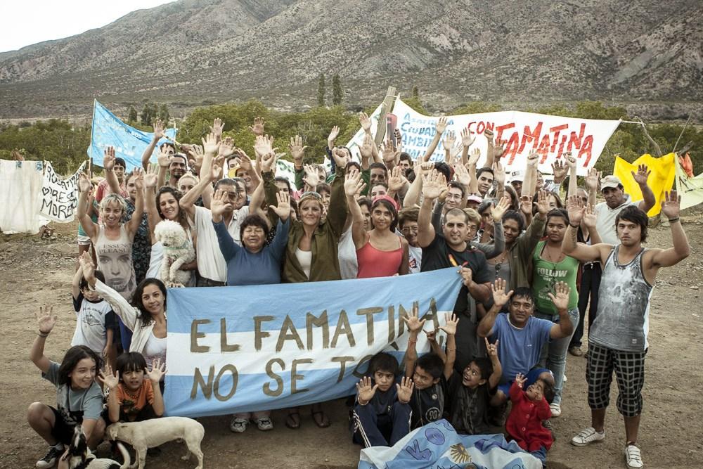Gráfica alusiva a Famatina y un nuevo triunfo de la movilización social: rescindieron el contrato con otra multinacional minera